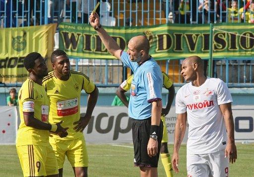 تشيلسي يتعاقد مع صامويل إيتو لاعب أنجي الروسي