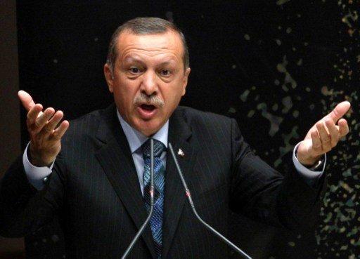 أردوغان يقول إن الأمم المتحدة لم تتخذ إجراء جديا لوقف المجازر في سورية
