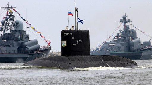 أكثر من 80 سفينة حربية روسية تجوب المحيطات العالمية