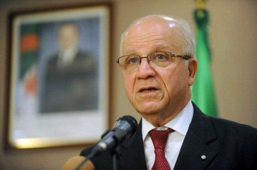 الجزائر تؤكد رفضها التدخل العسكري في سورية وتجدد تمسكها بالحل السياسي
