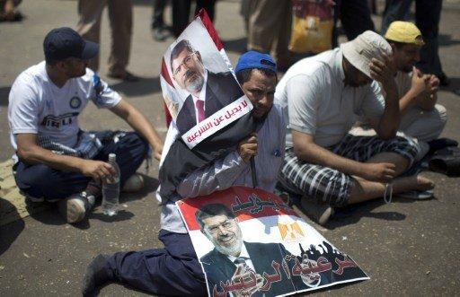 أنصار مرسي يدعون للتظاهر في ذكرى مرور شهرين على عزله وسط استمرار الاعتقالات
