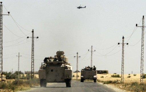 مروحيات عسكرية تقصف أهدافا في الشيخ زويد في شمال سيناء