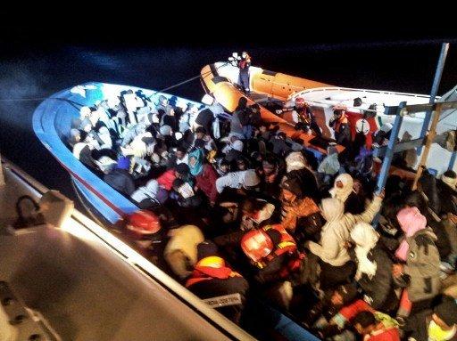 البحرية الإيطالية تنقذ 93 مهاجرا سوريا قرب سواحل صقلية