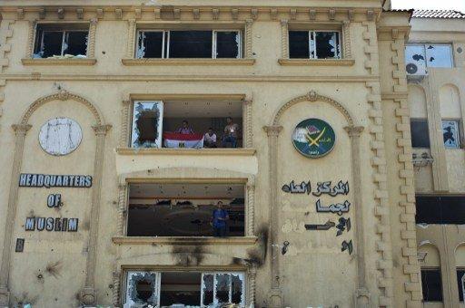 السجن 25 عاما بحق 11 متهما من الإخوان بتهمة الاعتداء على الجيش وحرق كنائس