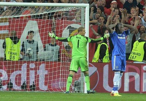 مورينيو يتخلص من لوكاكو بعد إهداره ركلة جزاء في كأس السوبر الأوروبية