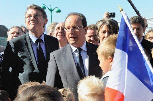 هولاند لا يستبعد طرح مشاركة فرنسا في عملية عسكرية بسورية للتصويت في برلمان البلاد