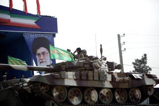 إيران تعلن عن اختبار رادار بحري بعيد المدى وتشغيل نظام اتصالات للدفاع الجوي