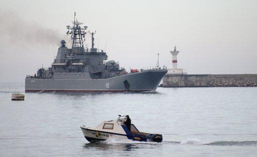 مجموعة من السفن الحربية الروسية تعبر مضيق البوسفور متجهة إلى شرق البحر المتوسط