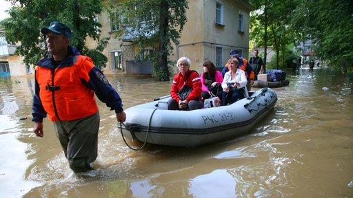 وزارة الدفاع الروسية تزيد من قواتها في منطقة كومسومولسك على آمور بسبب الفيضان