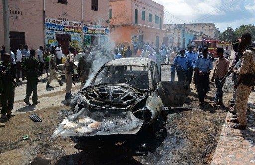مقتل 15 شخصا على الأقل بانفجارين استهدفا مطعما في العاصمة الصومالية مقديشو