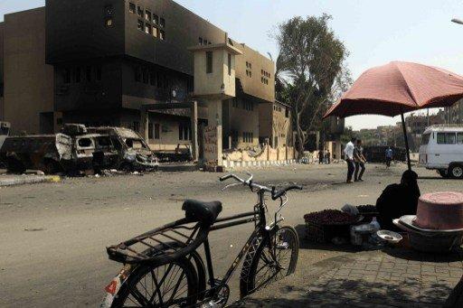 انفجار قنبلة يدوية في قسم شرطة في القاهرة.. وإبطال مفعول ثلاث دانات دبابات قرب السويس