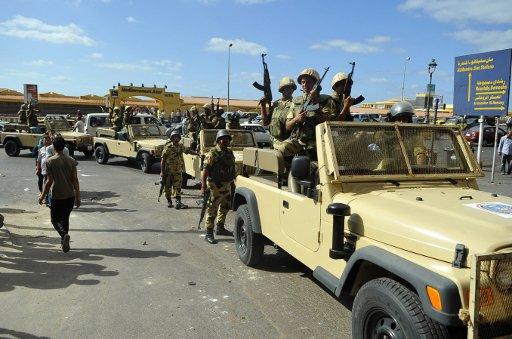 وزير الداخلية المصري يطلع على الخطط الأمنية لمواجهة 10 بؤر ارهابية شمال سيناء