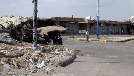 دبلوماسي سعودي مخطوف في اليمن يطلب من عائلته تنظيم مظاهرات من أجل الافراج عنه