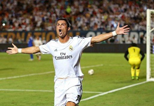 رونالدو يبدي استعداده لتجديد عقده مع ريال مدريد حتى عام 2018
