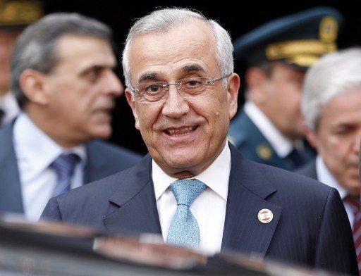 الرئيس اللبناني يؤيد مبادرة موسكو الخاصة بوضع الكيميائي السوري تحت الرقابة الدولية