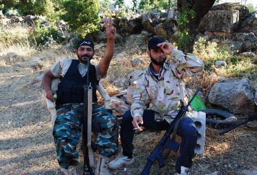 الائتلاف السوري يؤكد بدء أمريكا تزويد مقاتلي المعارضة بأسلحة فتاكة