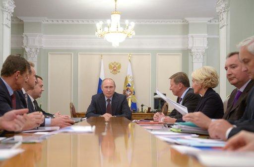 بوتين: نلاحظ توجها نحو استقرار الاقتصاد العالمي