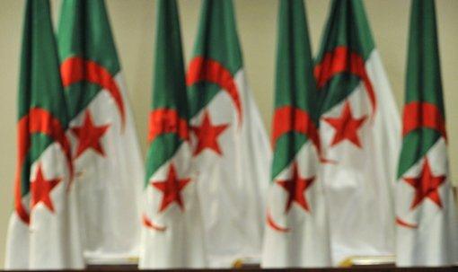 تعديل حكومي في الجزائر يشمل وزارتي الخارجية والداخلية