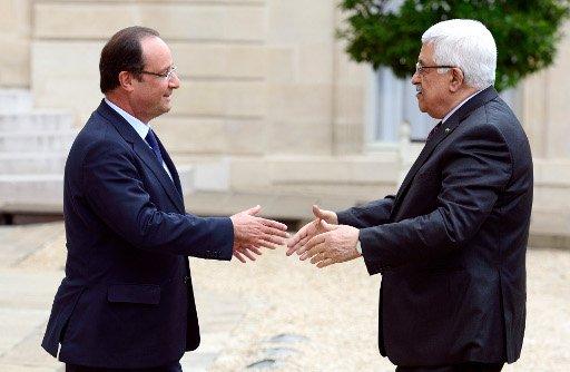 عباس يعرب عن أمله بنجاح المفاوضات الفلسطينية-الاسرائيلية.. ويدعو السوريين للذهاب الى