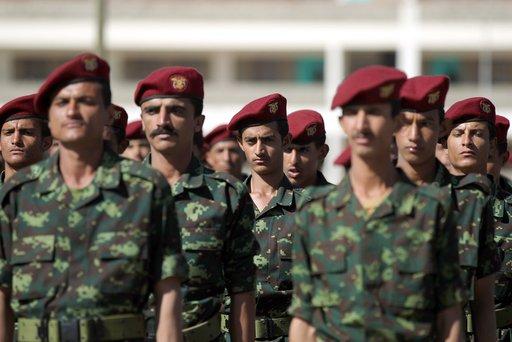 الرئيس اليمني يقرر اعادة المئات من ضباط الجيش والمخابرات الذين تم عزلهم بعد الحرب بين الشمال والجنوب
