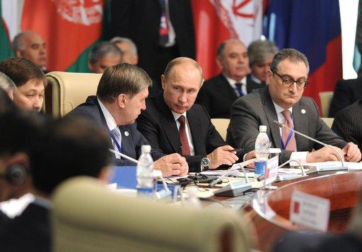 بوتين يرحب باستعداد إيران للمضي قدما نحو إيجاد حل لقضية برنامجها النووي
