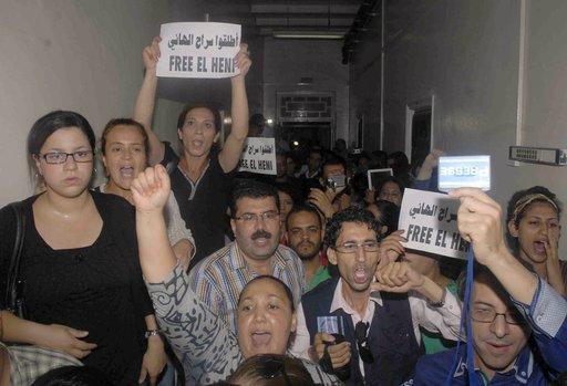 حكم بالسجن على صحفي تونسي اشتهر بانتقاده للاسلاميين.. ونقابة الصحفيين تعلن اضرابا عاما الثلاثاء