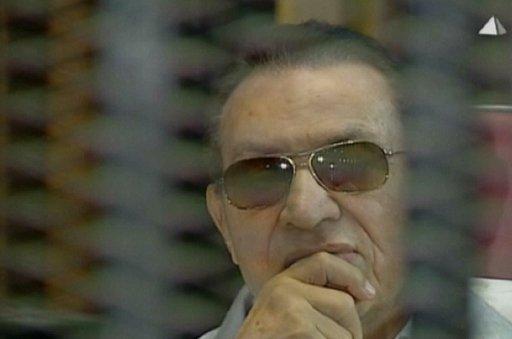 تأجيل إعادة محاكمة مبارك ونجليه ووزير داخليته في قضية قتل المتظاهرين