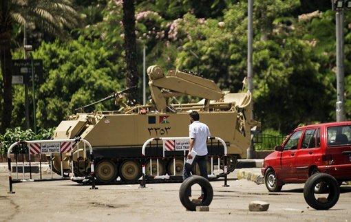 مقتل جندي مصري وإصابة ثلاثة آخرين في هجوم مسلح شرقي القاهرة