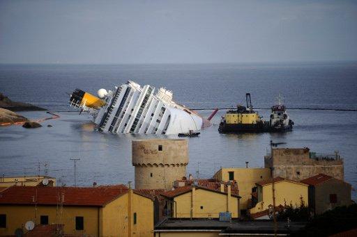 بالفيديو.. في عملية هي الأكبر من نوعها.. بدء تعويم سفينة كوستا كونكورديا الجانحة