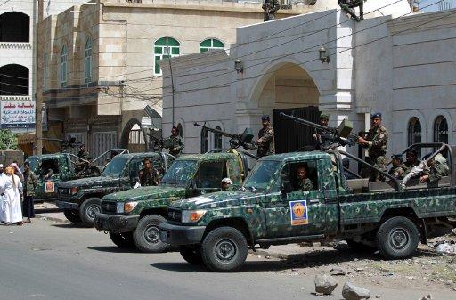 الحكم بالسجن على 3 عناصر من القاعدة بتهمة التخطيط لاغتيال الرئيس اليمني