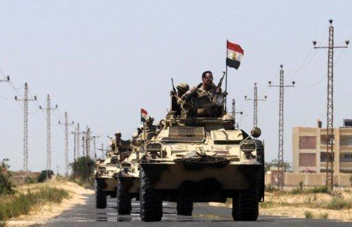 قتيل و8 جرحى في هجوم مسلح استهدف حافلة تقل عناصر من قوات الأمن في سيناء