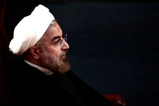 روحاني يطلب من حرس الثورة الإسلامية عدم التدخل في السياسة