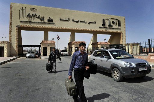 الأمن المصري يضبط سويسريين قادمين من ليبيا بحوزتهما طائرة صغيرة للتجسس