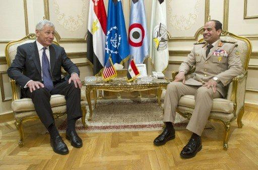 هاغل والسيسي يبحثان في محادثة هاتفية وضع الأقباط في مصر والأمن في سيناء