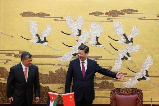 ملك الأردن يدعو الصين إلى تنشيط دورها في تسوية الأزمة السورية