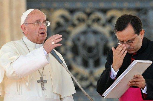 البابا يجدد الدعوة للحوار في سورية