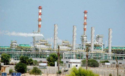 انتاج الخام الليبي يرتفع الى 620 ألف برميل يوميا بعد إعادة تشغيل حقول غرب البلاد