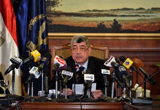 وزير الداخلية المصري: قوات الأمن تحكم قبضتها على مركز شرطة كرداسة وبعض الشوارع الرئيسية في البلدة