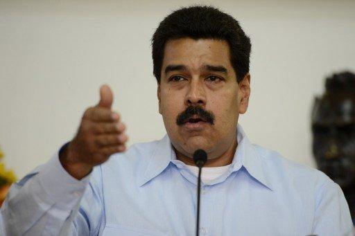 الولايات المتحدة ترفض السماح لطائرة مادورو بعبور مجالها الجوي