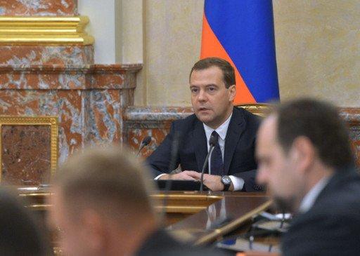 الحكومة الروسية تقر مشروعا قاسيا للميزانية حتى عام 2016