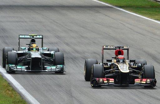 فورمولا1... هاميلتون الأسرع في تجارب سنغافورة الأولى
