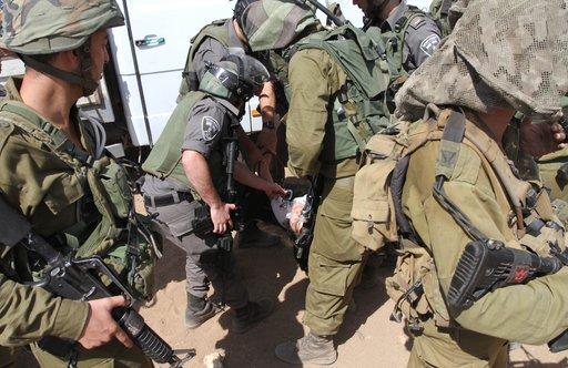 الجيش الإسرائيلي يعتدي على دبلوماسيين اوروبيين بالضفة ويمنع ايصال المواد الاغاثية للسكان