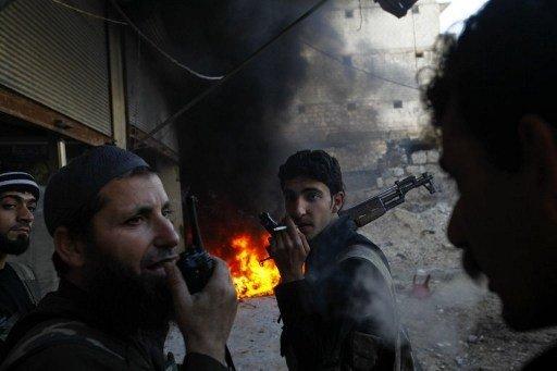 نشطاء يؤكدون مقتل 15 شخصا أثناء اقتحام الجيش السوري لقرية في ريف حماة