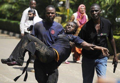مقتل 39 شخصا في هجوم على مركز تجاري وسط العاصمة الكينية وحركة الشباب الصومالية تتبنى الهجوم