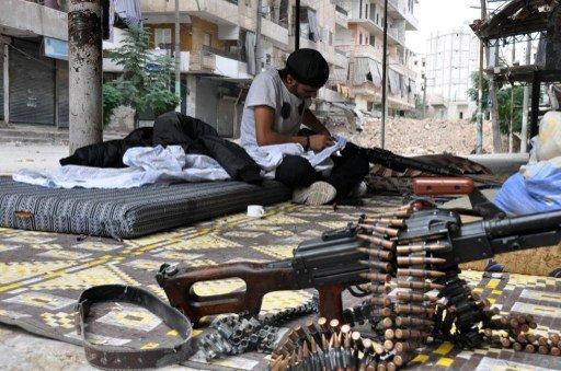 انفجار بحي المزرعة في دمشق واستمرار الاشتباكات بين الجيش والمعارضة في ريف العاصمة