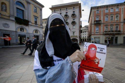 رفض إلغاء الخدمة العسكرية باستفتاء في سويسرا.. وحظر ارتداء النقاب باستفتاء في جنوبها