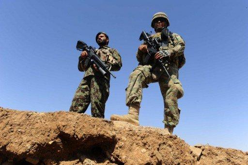 مقتل اثنين من عناصر الناتو و11 من الشرطة الافغانية في هجومين منفصلين بأفغانستان