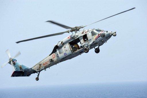 نجاة 3 عسكريين إثر تحطم مروحية أمريكية في البحر الأحمر.. واستمرار البحث عن اثنين آخرين