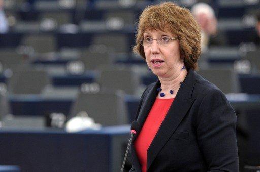 آشتون تلتقي زيدان وتؤكد دعم الاتحاد الأوروبي للعملية السياسية في ليبيا