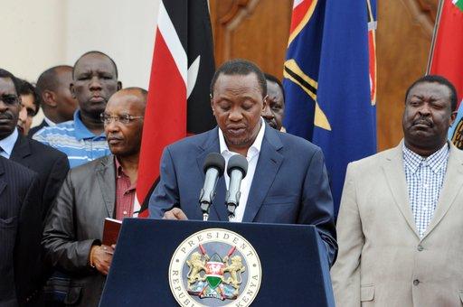 الرئيس الكيني يعلن عن انتهاء العملية لتحرير الرهائن المحتجزين بالمركز التجاري في نيروبي